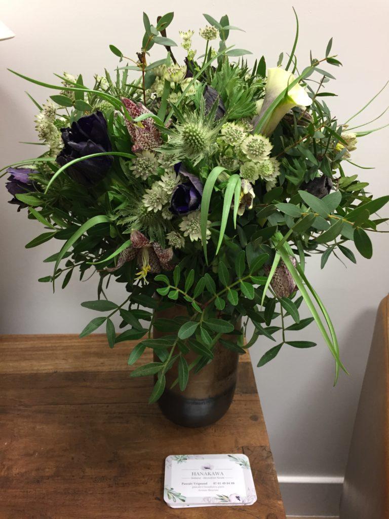 Fritillarias, Anémones, Callas, Chardons, Astrantia, Eucalyptus Parvifolia, Lentisque